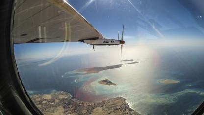 Solarflugzeug Si2 über dem Persischen Golf: Elektroflugzeuge in den nächsten zehn Jahren