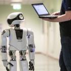 Kinderroboter Myon: Einauge lernt, Einauge hat Körper