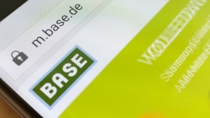 Base bietet neue Tarife an.