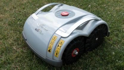 Roboter macht den Garten schön.