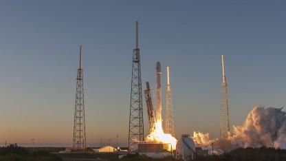 SpaceX-Rakete beim Start von Cape Caneveral