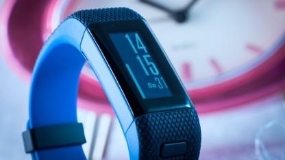 Die Garmin Vivosmart HR+ ist viel kleiner als andere Uhren.