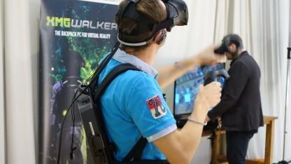 Der XMG Walker mit dem HTC Vive