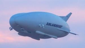 Luftschiff Airlander 10 beim Erstflug am 17. August 2016: keine Kollision mit einem Telegraphenmasten