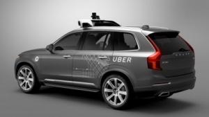 Autonom fahrendes Uber-Taxi