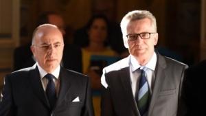 Frankreichs Innenminister Cazeneuve (l.) und sein deutscher Amtskollege de Maizière