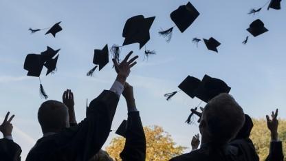 Auch wenn sich die Studenten über ihren Abschluss freuen, für viele Unternehmen ist dieser gar nicht so wichtig.