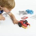 Sam's Curious Cars: Modulare ferngesteuerte Rennwagen bauen