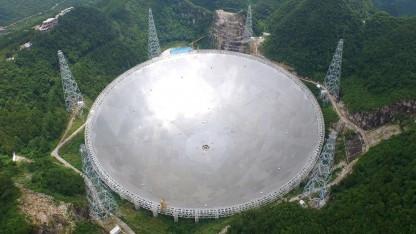 Radioteleskop Fast: Auge in den Himmel oder überdimensionierter Wok?