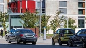 Community-based Parking: Das System lernt Parklücken von Einfahrten zu unterscheiden.