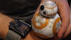 Verschlissener BB-8 und das Special-Force-Armband
