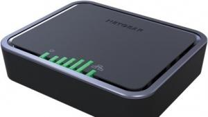Netgears LTE-Modem bietet eine außen sichtbare Balkenanzeige.