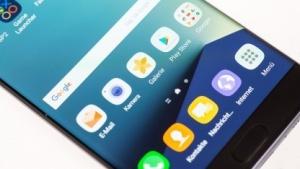 Samsung verteilt ein Update in Deutschland, das den Akku auf eine Kapazität voin 60 Prozent drosselt.