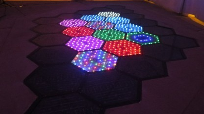 Probeinstallation  von Solar Roadways