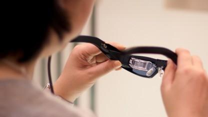 Die Retinal Projection Laser Eyewear soll Sehschwachen helfen.
