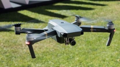 Drohnen und Modellflugzeuge sollen unter anderem nicht mehr höher als 100 Meter fliegen dürfen.