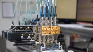 300-GHz-Terapan-Empfänger zur elektronischen Strahlschwenkung mit Phased Array Antenne