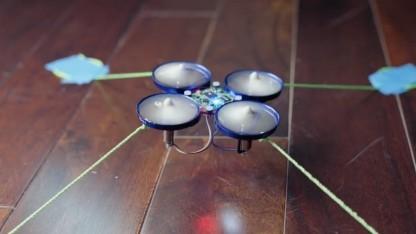 Fixierte Drohne, deren Kontrolle zur Demonstration übernommen wurde