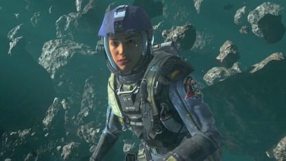 In einer Mission von Infinite Warfare schwebt der Spieler durchs All.