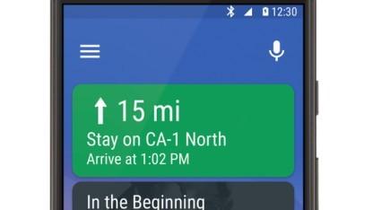 Android Auto auf einem Smartphone-Display