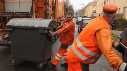 Berliner Müllmänner bekommen in Zukunft Smartphones für ihre Arbeit.