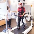 Walk Again Center: Exoskelett hilft Patienten beim Laufenlernen