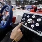 Gesetzespläne: Dobrindt will Tablet-Nutzung am Steuer verbieten