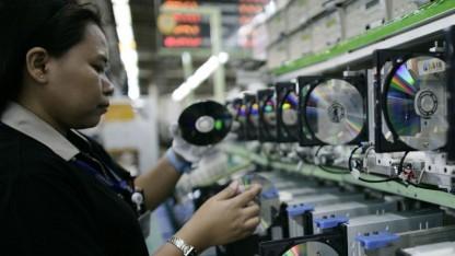 Arbeiterin in einer indonesischen Samsung-Fabrik.