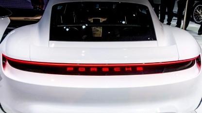 Porsche Mission E: 500 km Reichweite bei sportlicher Fahrweise