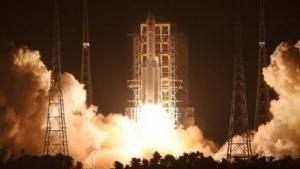Die Langer Marsch 5 brachte erfolgreich ihren ersten Satelliten in den Orbit.