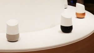 Google Home als Konkurrenz zu Amazons Echo