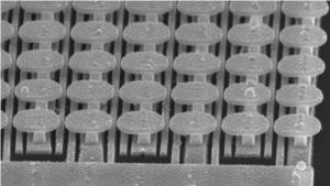 Das neue Gerät im Elektronenmikroskop