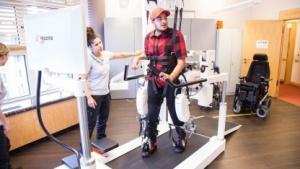 Walk Again Center Berlin: konventionelle Methoden mit Roboter-gestützten kombiniert