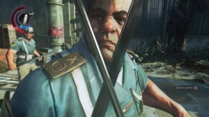 In Dishonored 2 kämpfen wir per Klinge gegen feindliche Wachen.