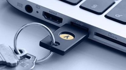 Zwei-Faktor-Authentifizierung kann per App oder Hardwareschlüssel wie hier von Yubico durchgeführt werden.