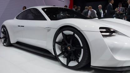 Porsche Mission E: Schnellladen mit 800 Volt