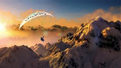 Flug in die Abendsonne über den Alpen in Steep