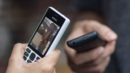 Das Nokia 150 in weiß und schwarz
