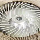 Thermaltake Engine 27 ausprobiert: Flache Pfeife mit Metalllüfter