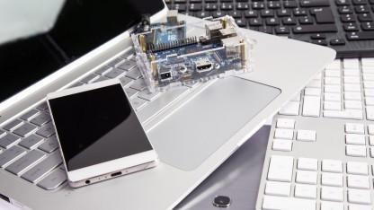 IoT, Smartphone und Laptop könnten in Zukunft von nur noch einem System betrieben werden.