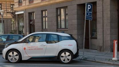 Elektroauto an Eon-Ladesäule in Kopenhagen (Symbolbild): 2.500 Ladesäulen in Dänemark