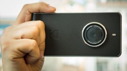 Das Design des Kodak Ektra gefällt uns, die Kamera hingegen eher weniger.