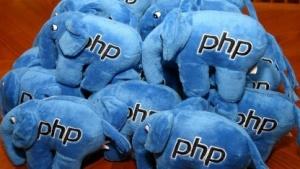 PHP-Maskottchen: eine Herde Elephpants