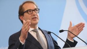 Verkehrsminister Alexander Dobrindt: keine Reibungsverluste oder Parallelstrukturen
