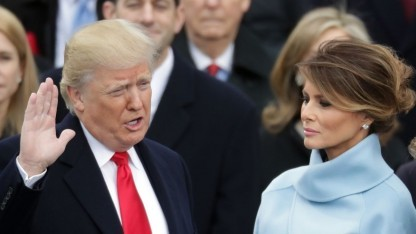 Donald Trump bei der Vereidigung: twittert auch privat weiter