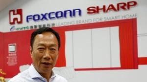 Terry Gou, Aufsichtsratsvorsitzender von Hon Hai Precision Industry, besser bekannt als Foxconn, spricht im Juni 2016 in einem Sharp-Showroom in New Taipei City, Taiwan.