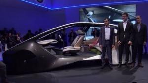 BMW präsentiert gemeinsam mit Intel und Mobileye die Innenraumstudie BMW i Inside Future.
