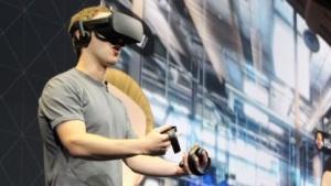 Mark Zuckerberg bei einer Präsentation mit Oculus Rift