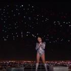 Super Bowl: Lady Gaga singt unter einer Flagge aus Drohnen