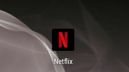 Netflix erlaubt bei ausgewählten Inhalten das manuelle Überspringen des Vorspanns.